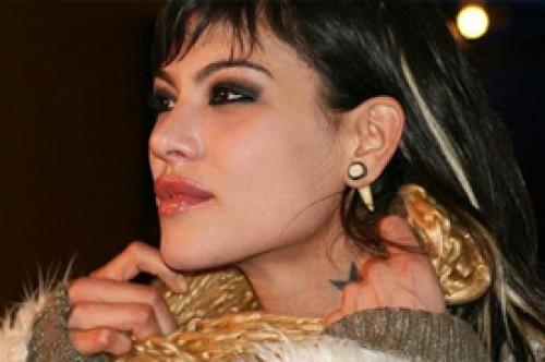 Angie Jibaja recibe duras críticas de periodista chilena