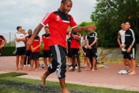 Southampton: Técnico hizo caminar entre brasas a jugadores - Video