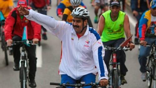 Caída de Maduro es blanco de burla en redes sociales - VIDEO