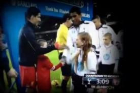 Video: Una niña dejó en ridículo a Luis Suárez - Premier League