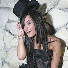Demi Lovato es considerada la Adolescente con Mejor Estilo