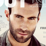 Adam Levine, líder de Maroon 5, engalana la carátula de OUT Magazine