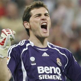 Fútbol español: Mourinho multa a Casillas por llegar tarde al entrenamiento