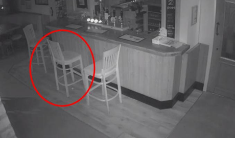 Fantasma de la antigua dueña del local es captado en cámara de seguridad