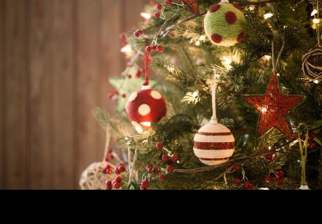 Jóvenes mueren cuando adornaban árbol de Navidad