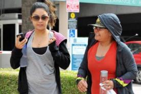 Vanessa Hudgens hace ejercicios acompañada de su madre