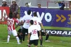 Video: Portero Rogério Ceni anota un ridículo autogol en el Brasileirao
