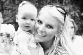 Jessica Simpson comparte tiernas fotos de su pequeña hija