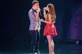 Ariana Grande y Nathan Sykes de The Wanted cantan juntos en concierto - Video