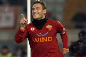 Video: Roma vapuleó 3-0 a Inter de Milán con goles de Francesco Totti