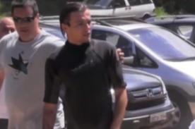 Louis Tomlinson enfurece con directioner que le tocó el trasero - Video