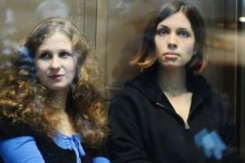 Autoridades rusas liberan a integrantes de la banda Pussy Riot