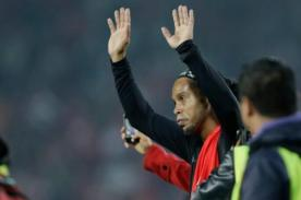 Ronaldinho: El niño que burló la seguridad solo para abrazarlo - VIDEO