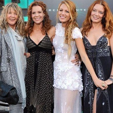 Blake Lively llevó a sus hermanas y madre al estreno de Linterna Verde