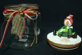 Adornos Navideños: Decora tus frascos con motivos navideños