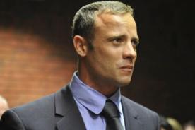 Oscar Pistorius sale en libertad bajo fianza
