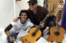 Pedro Suárez Vértiz y Gian Marco firman mil guitarras