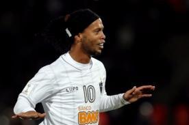 Video: Ronaldinho volvió a marcar golazo en el Mundial de Clubes 2013