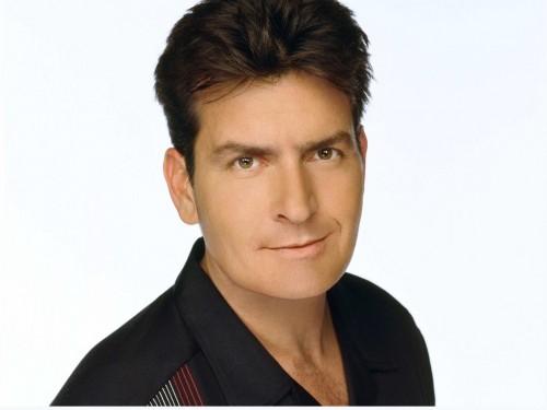 ¡Se confesó...!, Charlie Sheen es portador de sida