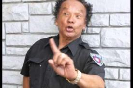 Dos policías desatan la furia de cibernautas por hacer esto con Melcochita