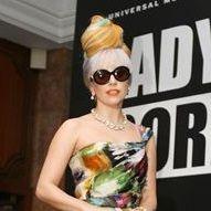 Lady Gaga rindió homenaje a bandera de la India con colorido peinado