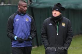 Premier League: Mario Balotelli y Roberto Mancini se amistaron