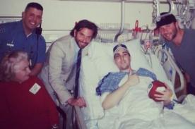 Bradley Cooper visitó a víctima de las explosiones en Boston
