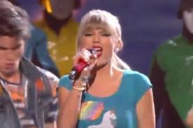Premios Billboard 2013: Taylor Swift tomó el escenario con '22' - Video