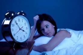 Falta de sueño provoca comer alimentos con alto contenido de calorías