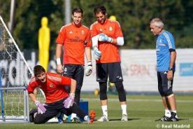 Iker Casillas reapareció en los entrenamientos del Real Madrid