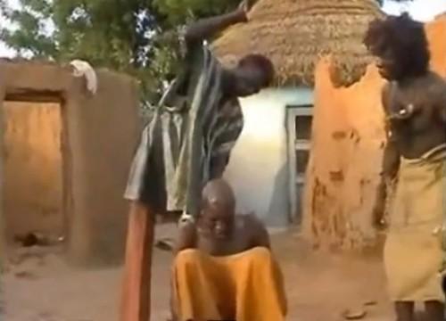África: Conoce un método inusual para eliminar el dolor de cabeza - VIDEO
