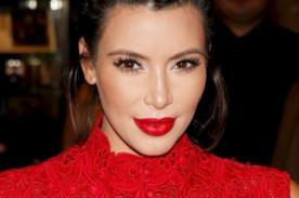 Kim Kardashian se burla de sí misma por el mal intento de selfie en Tailandia