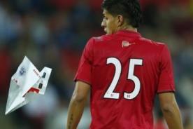 Perú vs Inglaterra: Mira de dónde lanzaron el avión de papel a Riojas [Video]