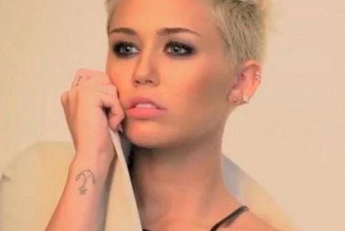 Instagram: Doble de Miley Cyrus causa furor en red social