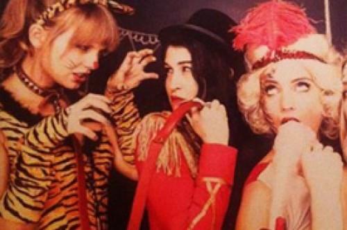 Taylor Swift vistió como sexy tigrilla en cumpleaños de Dianna Agron