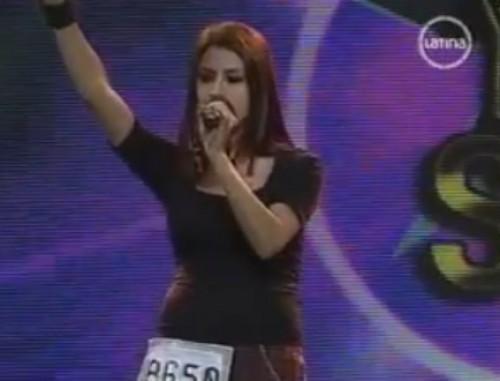 Video: Hermana de Amy Winehouse peruana imitó a Avril Lavigne en Yo Soy