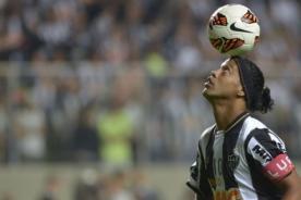 Ronaldinho: En Barcelona practicaba sexo antes de los partidos