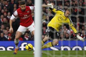 Video: Blooper al estilo 'Chiquito' Flores permite victoria del Arsenal