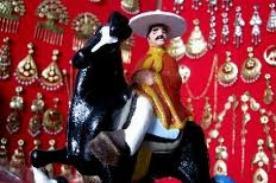 54° Concurso Nacional de Marinera: Exhiben artesanías peruanas alusivas a la marinera