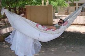 Despechado: Las 101 formas de utilizar un vestido de novia - FOTOS
