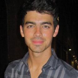 Joe Jonas se une a la lucha contra el Alzheimer con The Elephant Project