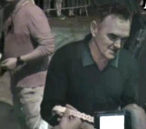 Morrissey en Lima: Artista firmó autógrafos a fanáticos (Video)