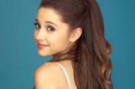 Ariana Grande se cambia de peinado para visitar a Barack Obama