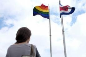 Costa Rica: Presidente honra Día contra la homofobia izando bandera gay