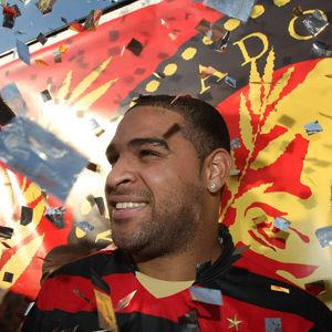 Fútbol brasileño: Flamengo no quiere a Adriano de vuelta