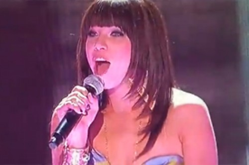 Teen Choice Awards: Carly Rae Jepsen cantó 'Call Me Maybe' (Video)