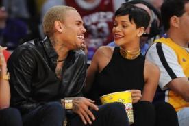 Rihanna se va de vacaciones sin Chris Brown