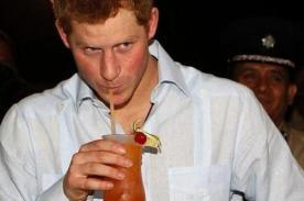 Modelo contará detalles de sus encuentros con el príncipe Harry