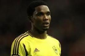 Video: Samuel Eto'o falla penal de manera increíble - Europa League