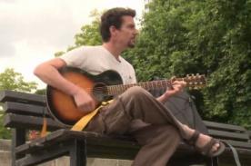 Sorprendente: Pareja de irlandeses viajan a pie y sin dinero